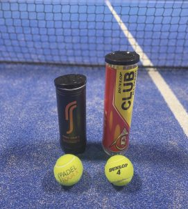 tennisbollar och padelbollar