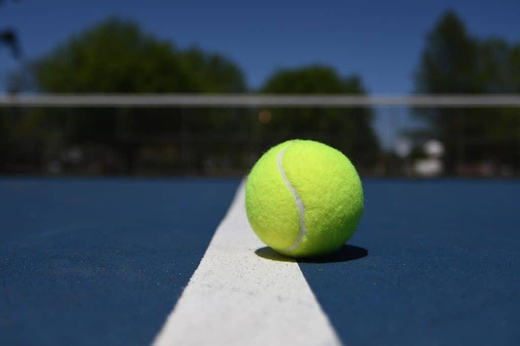 bild på en padelboll