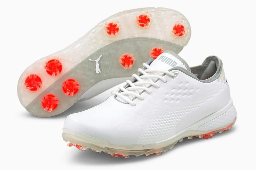 Golfskor med spikes
